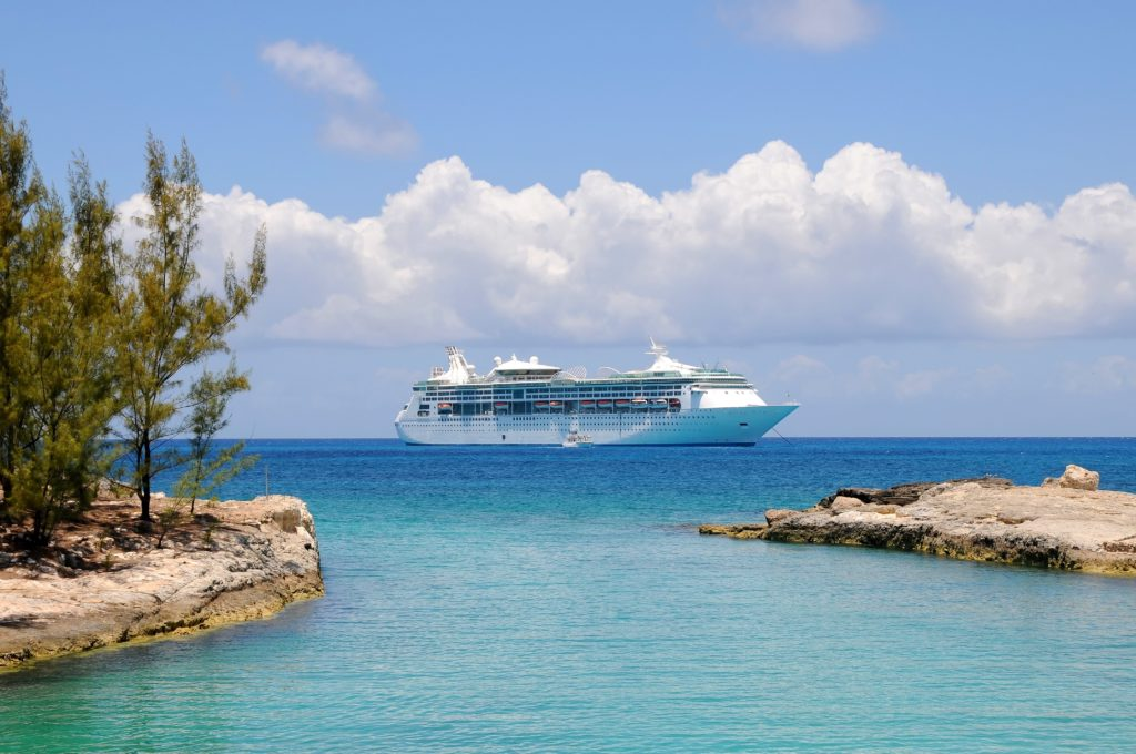 Secrets everyone should know before you go on a cruise | www.simplystine.com