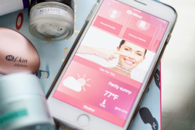 Meet HiMirror: Your Two-In-One Mirror and Beauty Consultant