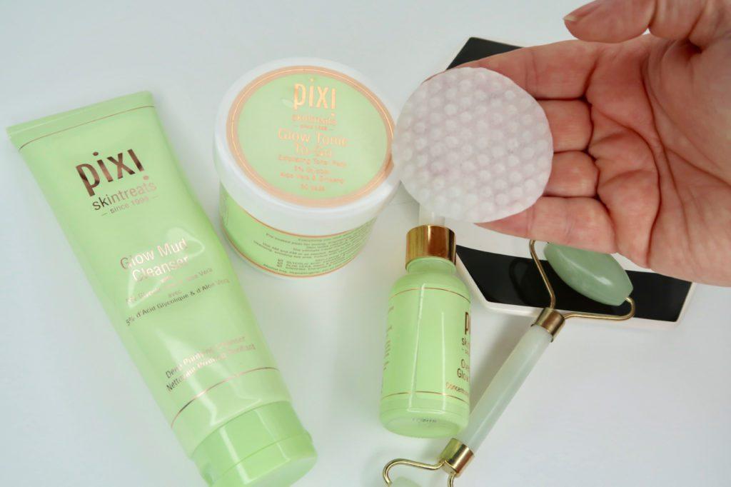 Pixi Beauty Glow Tonic To-Go Exfoliating peel pads