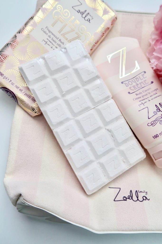 Zoella Beauty Sweet Inspirations Collection | While this looks like a chocolate bar, it's actually a bath product that smells amazing! | www.simplystine.com