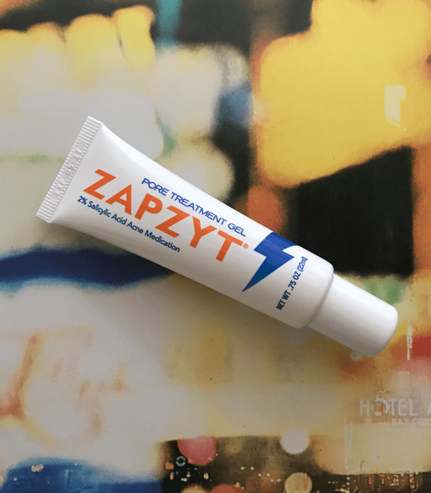 Treat Your Adult Acne With ZAPZYT! An acne fighting product line targeted to stop acne in as little as five hours! | www.simplystine.com