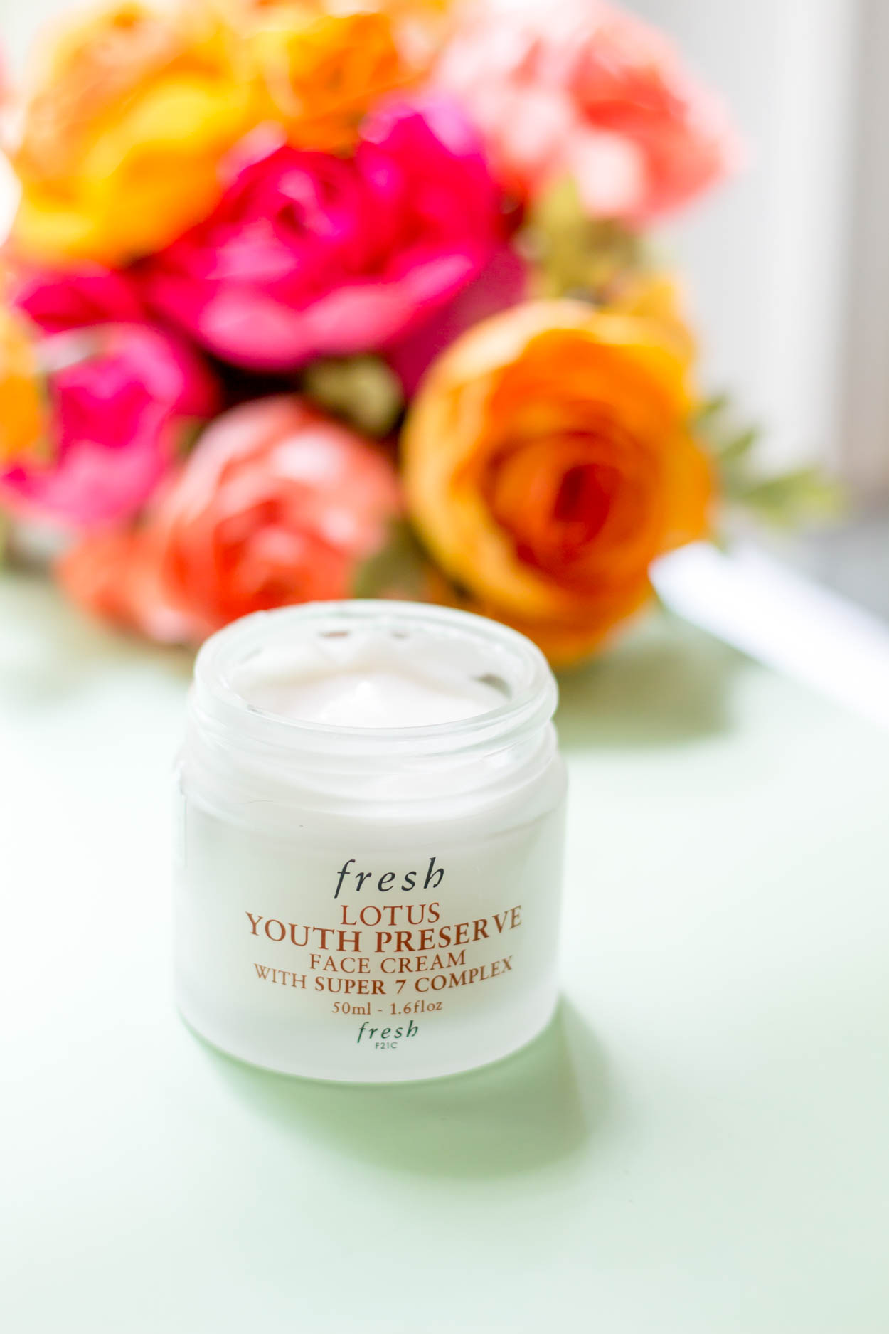 Fresh Skincare has to be one of my favorite skincare brands. Natural ingredients, but with modern technology! Their Rose Face Mask is outta this world good! #beauty #skincare