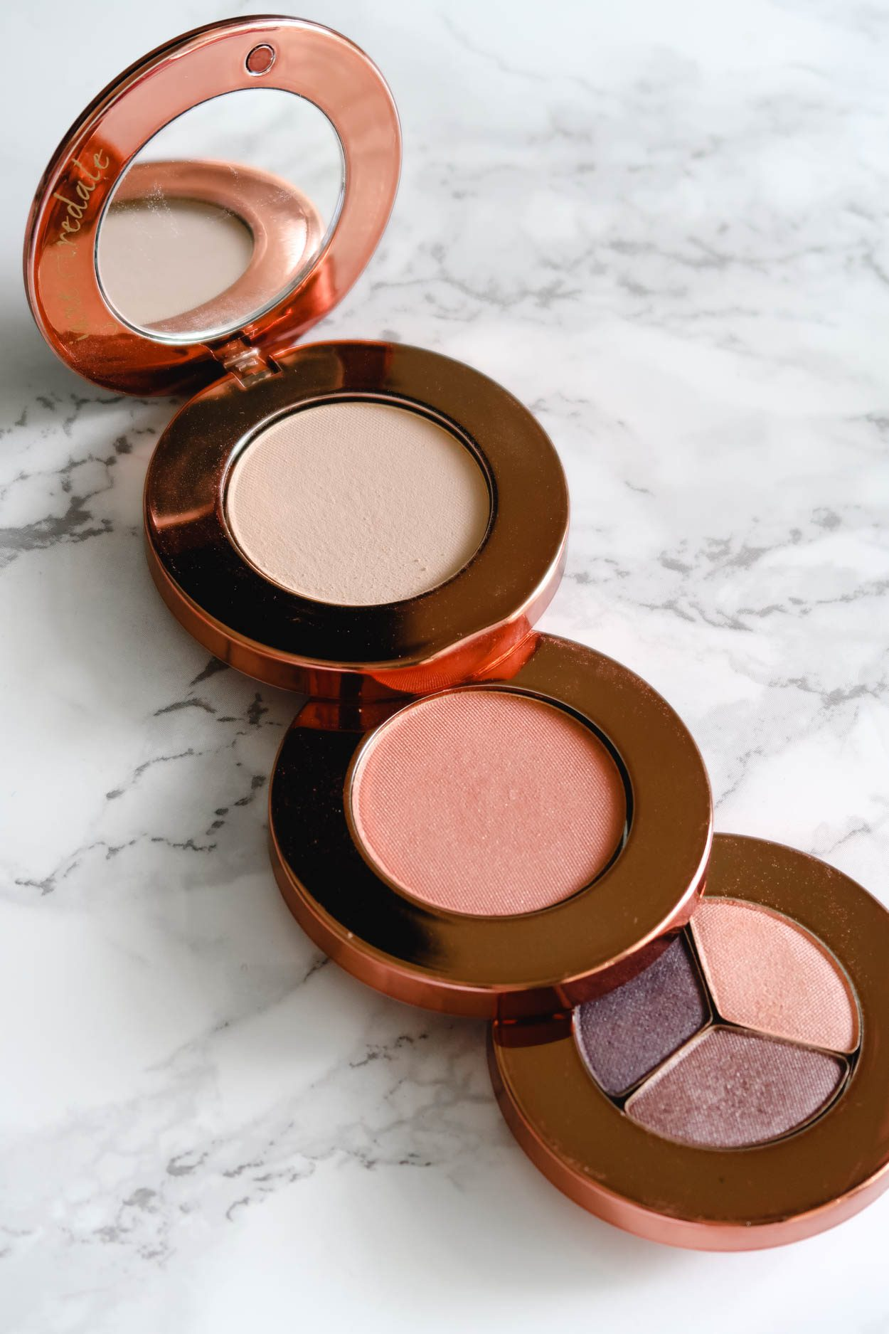 Jane Iredale Makeup is commonly known as skincare makeup. Why? Because the makeup products that Jane Iredale offers are high-quality mineral makeup that enhance your complexion, are cruelty-free  and are free of any chemicals and/or synthetic ingredients.  #beauty #GreenBeauty #MineralMakeup