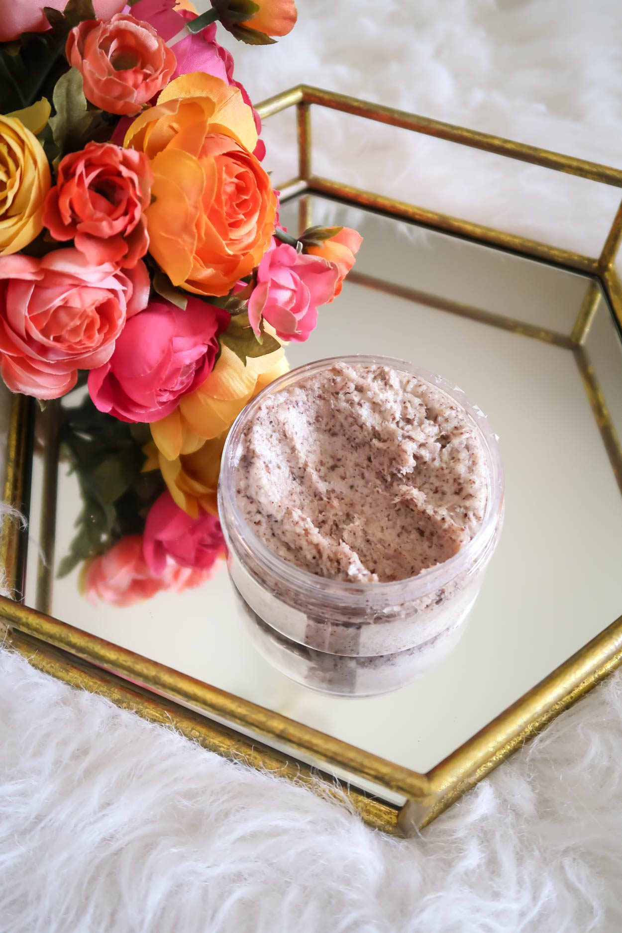 Simply Stine latest beauty post about the newest beauty product from Southern Sugaring. This exfoliating skin and body polish is fantastic! #Skincare #Beauty #BeautyBlogger