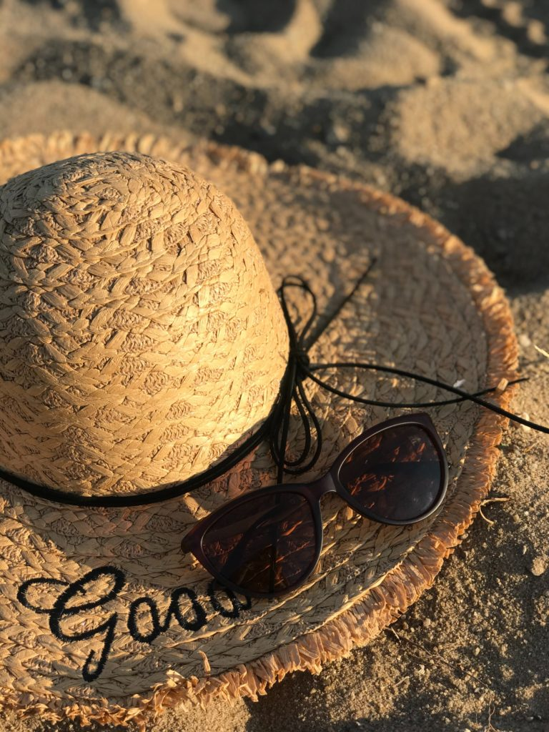 Monday Chit-Chat | Beach Scene with hat and sunglasses
